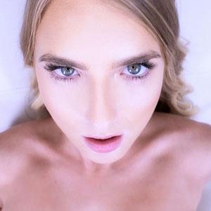 Hannah Hawthorne making an o-face
