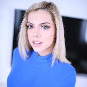 Allie Nicole at Amateur Allure