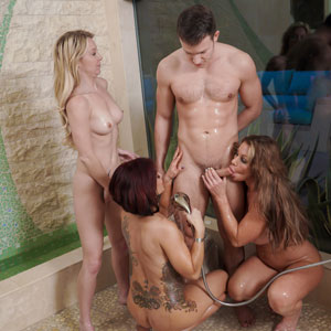 Badmilfs bathroom foursome
