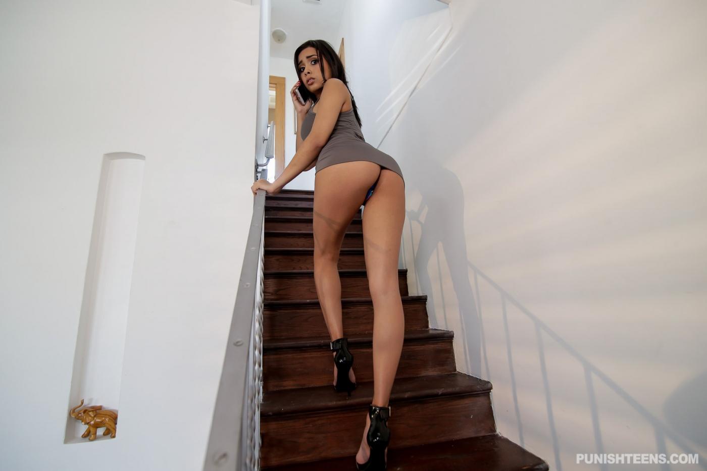Aaliyah love fucks a young stud bead knight 9