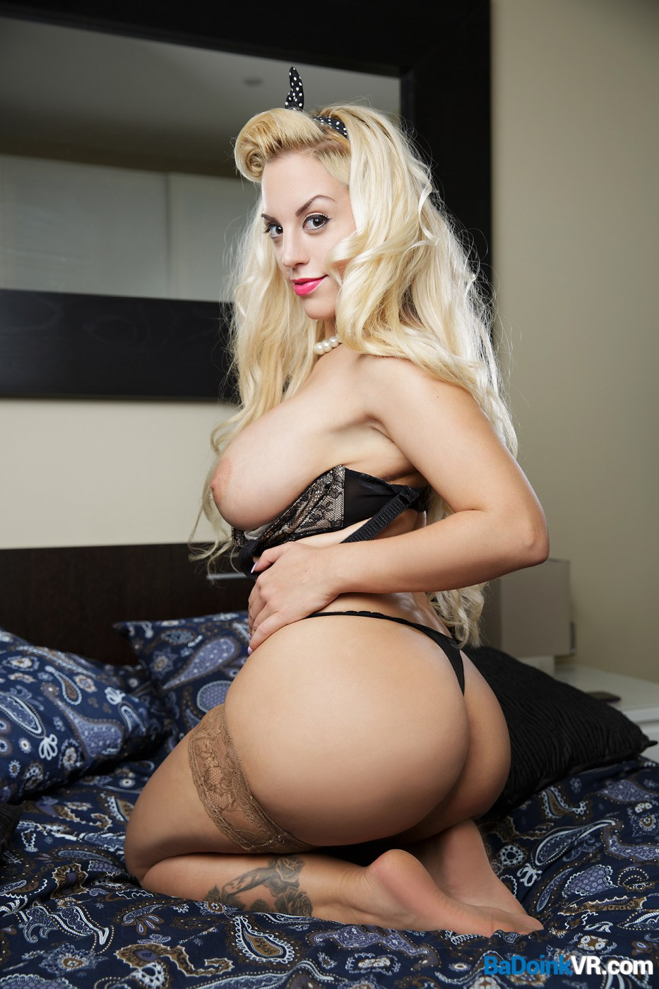 big tit blondie