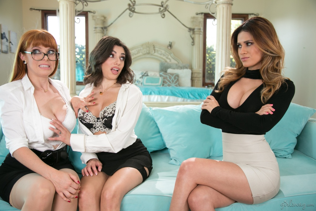 Teen girls Casey Calvert and Penny Pax are what you would call anal sex freaks № 1320978 загрузить