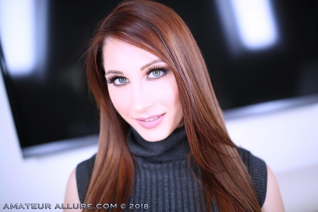 Amateur webcam live sex add snapchat nudeselena2323 2